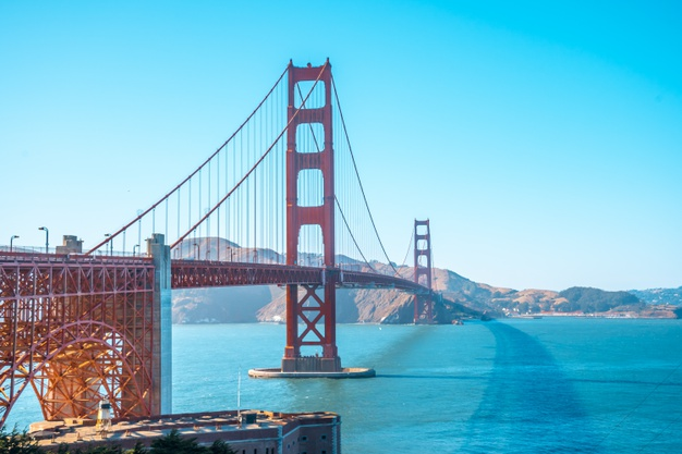 san-francisco-california-united-states-golden-gate-san-francisco-seen-from-visitor-center-one-summer-afternoon_242111-3146